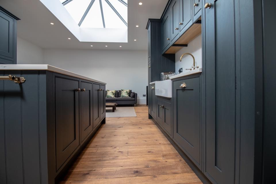 Painted Solid Oak In-Frame Kitchen - Bridgnorth 4